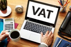 A Critical  Decision UAE Businesses need to make now for VAT Compliance